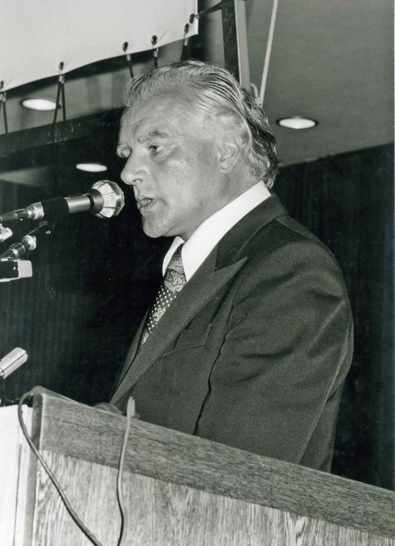 Burkhard Heim beim Imago Mundi Kongress 1976 in Innsbruck