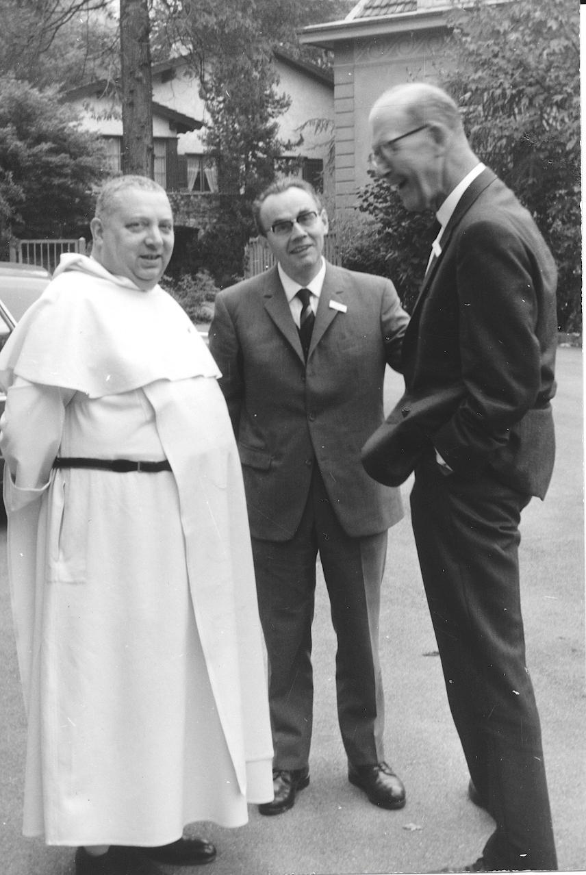 II. Internat. Imago Mundi-Kongress 1968, Luzern, Prof. Dr. Norbert M. Luyten, Prof. Dr. Erwin Nickel mit dem Direktor des Origo Verlags Zürich