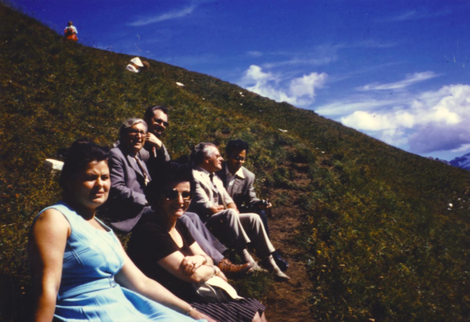 V. Internat. Imago Mundi-Kongress 1974, Cusanus Akademie, Brixen, von links nach rechts Ingrid Heim,  Prof. Ernst Benz, Illobrand v. Ludwiger, Gerda Heim, Burkhard Heim, Prof. Resch