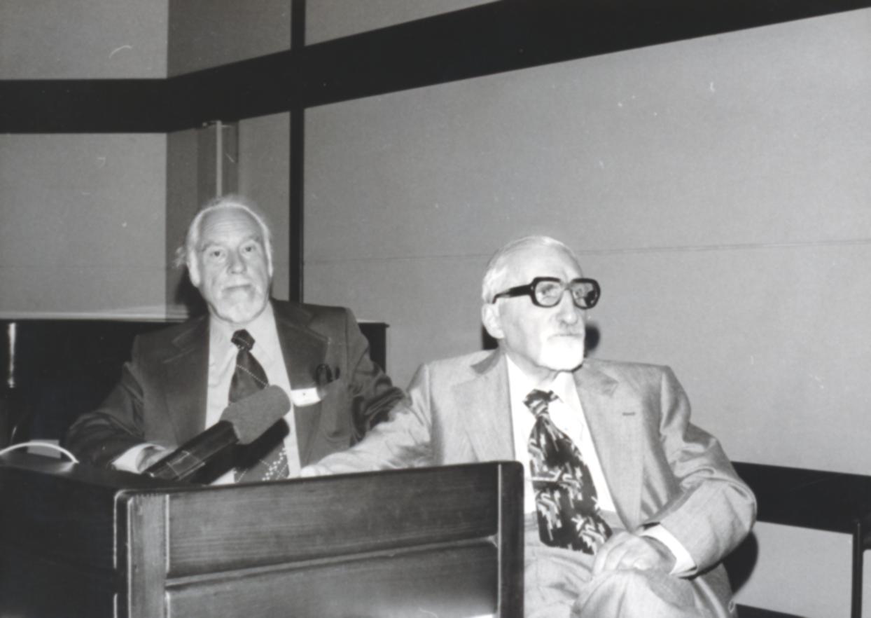 VI. Imago Mundi Kongress 1976, Haus St. Ulrich, Augsburg, von links Dr. Hans Naegeli-Osjord, Prof. Dr. W.H.C. Tenhaeff