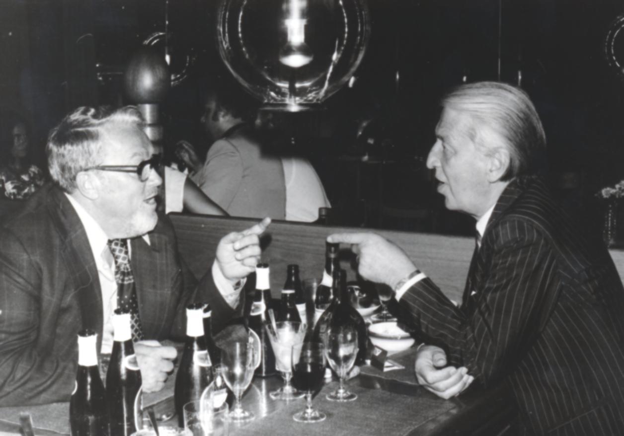 VI. Imago Mundi Kongress 1976, Haus St. Ulrich, Augsburg, von links Rolf Olsen und Dr. Igenbergs