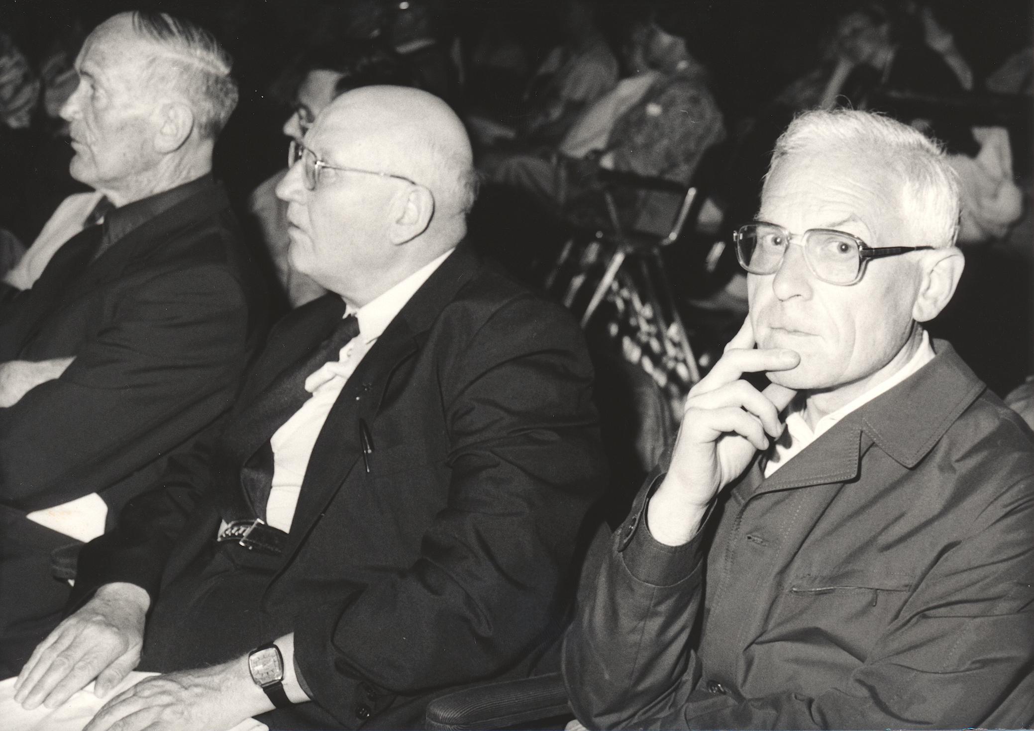 XI. Imago Mundi-Kongress 1987, Innsbruck, von links Weihbischof Heinrich Forer, Pfr. Oberhofer